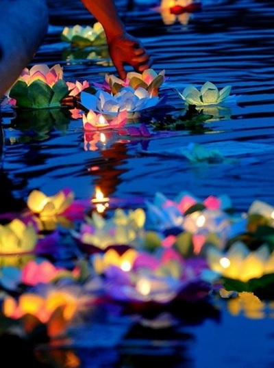 Floating Flower Candles from Thailand